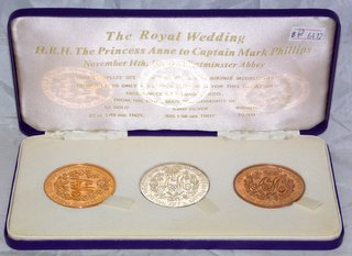 VERY RARE  Sandhill Limited Edition ONLY 10 sets PRINCESS ANNE 1973 ROYAL WEDDING Large 22 ct Gold Medallion 2.83 ozs. Large .925 SILVER Medallion 1.58 ozs and Bronze Medallion. Original presentation case. (3 items)