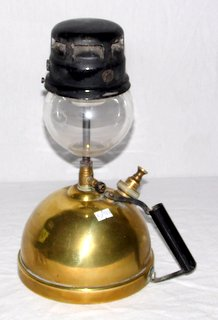 A Vintage Brass Tilley Short Stem Household Table Lamp TL14. Early 20th Century. Height 13 inches. Auction Sales Wrexham Whitchurch Shrewsbury Liverpool Warrington Chester Mold Oswestry Llandudno